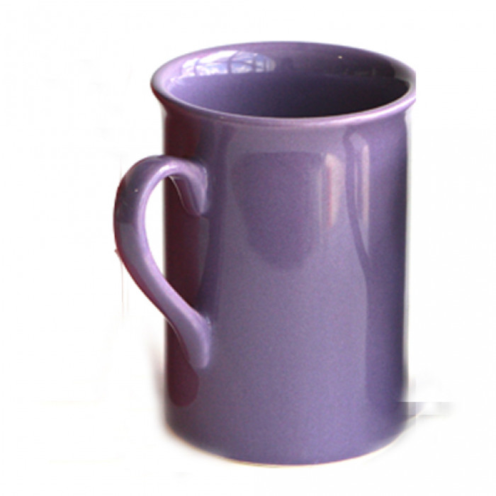 Лилава керамична чаша с дръжка